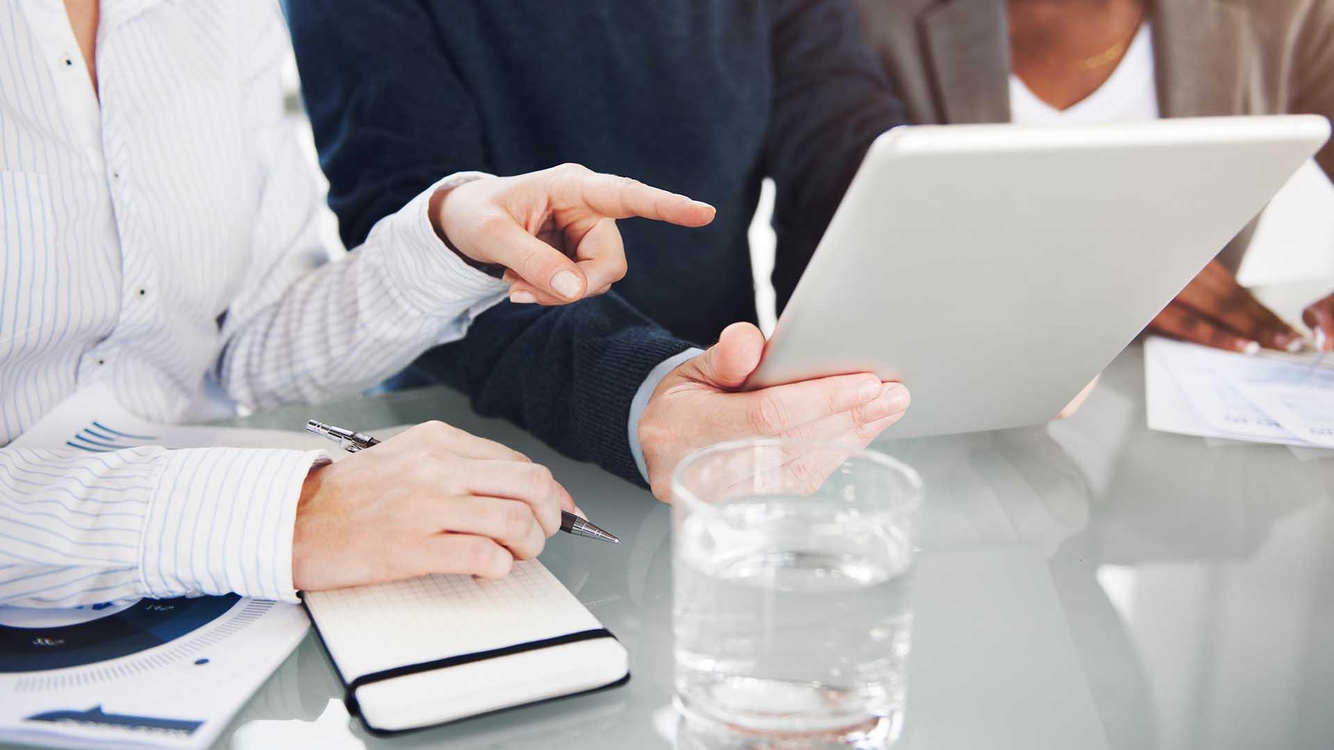 A közbeszerzési ajánlatok bírálatával kapcsolatos gyakorlati kérdések, problémák (e-learning oktatás)